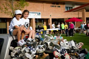19-IMG_3233-Golden Gallop 2011, shoe donation