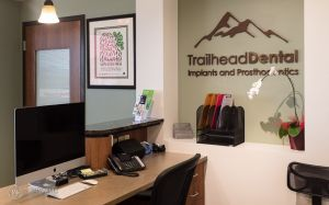 005(5DS14207)-TrailheadDentalMKT_800x.jpg